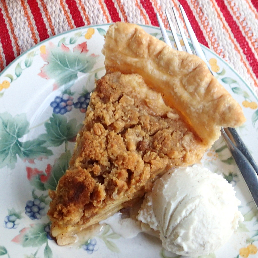 Crumbly Apple Pie ~ Dirty Dish Club